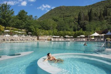 Tuscany holiday Grotta Giusti_Natural Spa_Thermal Pool Hydro Massages - 1024 x 749