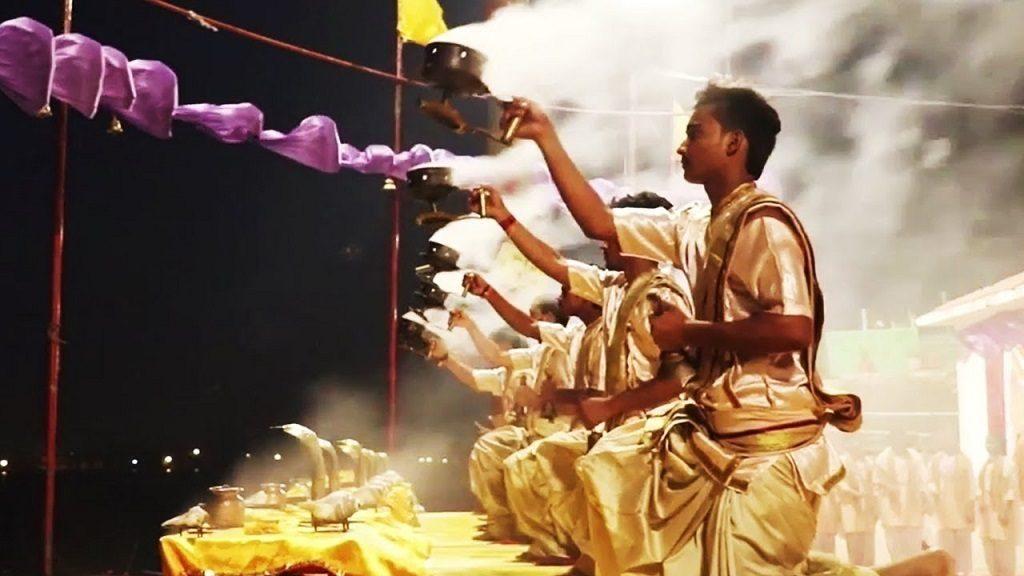 ganga arti (1) varanasi india