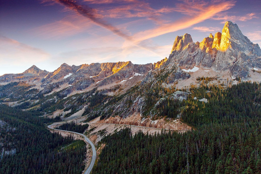 Washington Pass - North Cascades National Park - Andy Porter hiking trails in Washington state