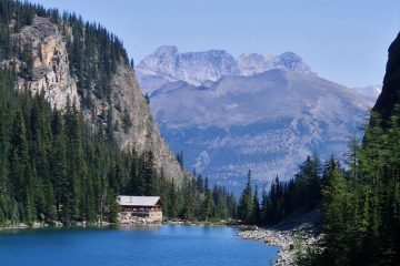 Lake_Agnes_Tea_House