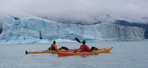 Bear Glacier Lagoon alaska kayaking