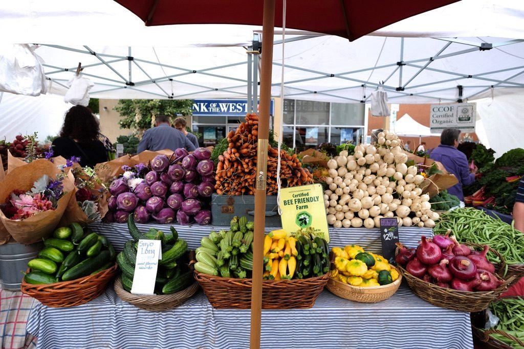 California Ave. Farmers' Market in Palo Alto, California