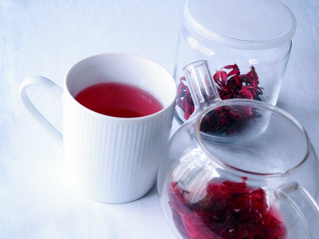 Hibiscus tea and hibiscus leaves