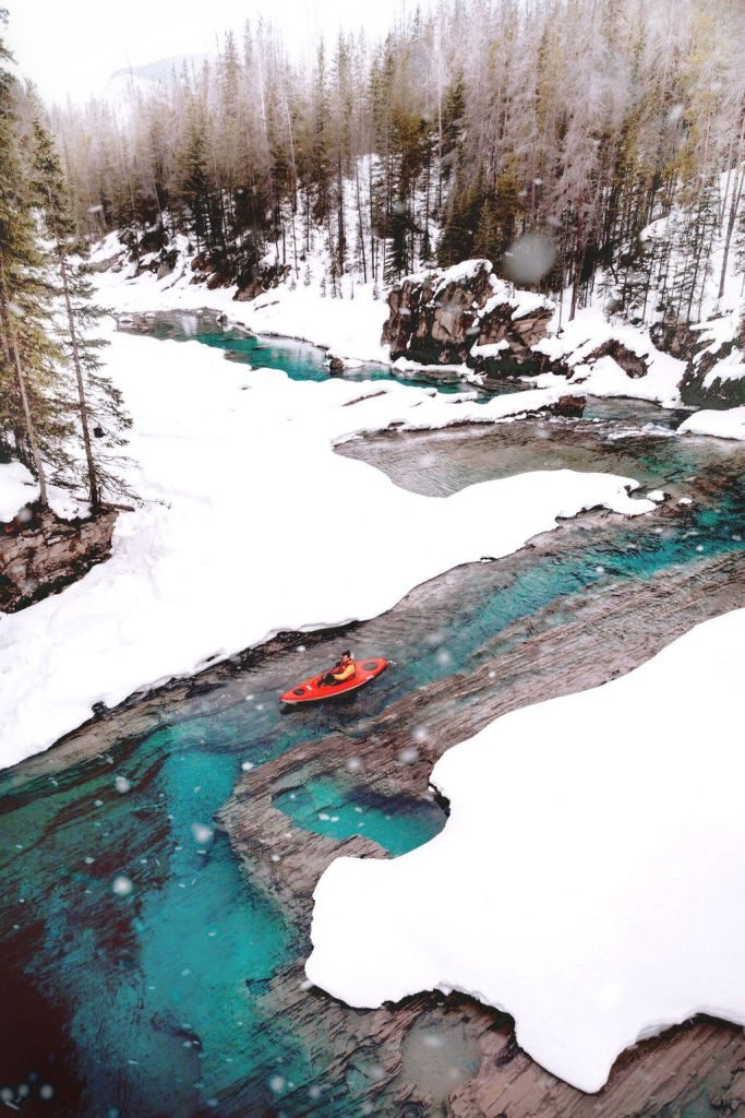 Winter paddling in the Kickinghorse River