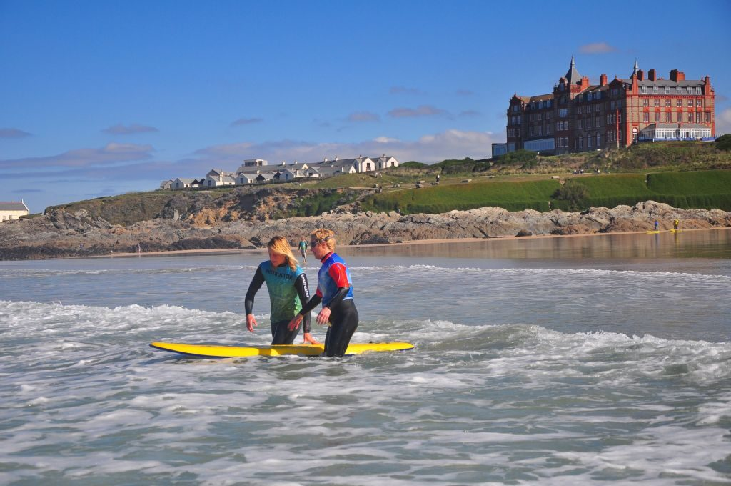Surf lesson on Fistral Beach with the Surf Sanctuary newquay cornwall