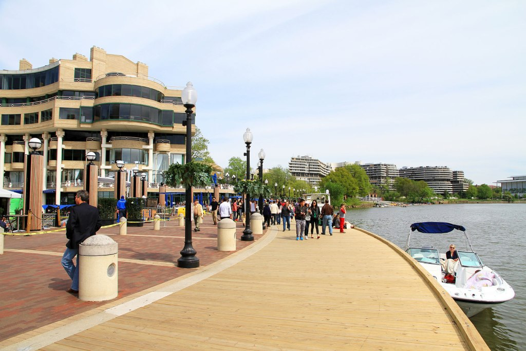 Georgetown Waterfront Harbor, Washington DC, USA