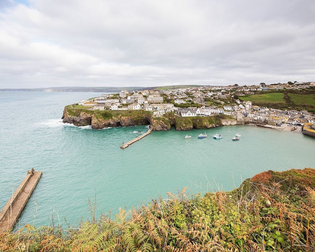 photo of cornwall lands end england, jaw dropping-rock climbing location
