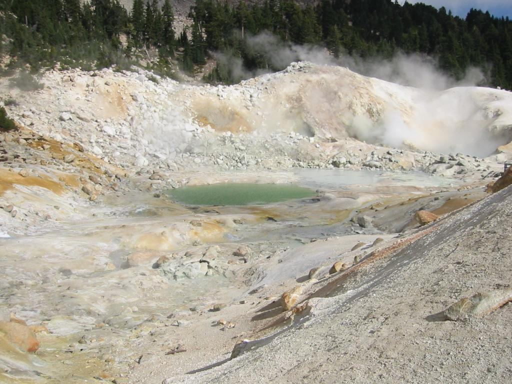 Bumpass Hell, Lasen Volcanic National Park, California