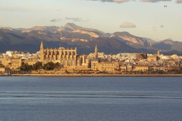 Palma de mallorca where to buy a holiday home