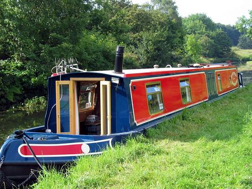 Narrowboat canal uk getaways